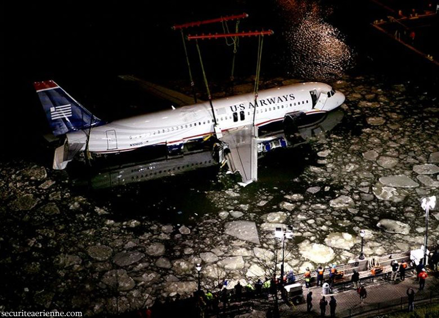 Crash Airbus US Air - New York - N106US - Recuperation de l'avion