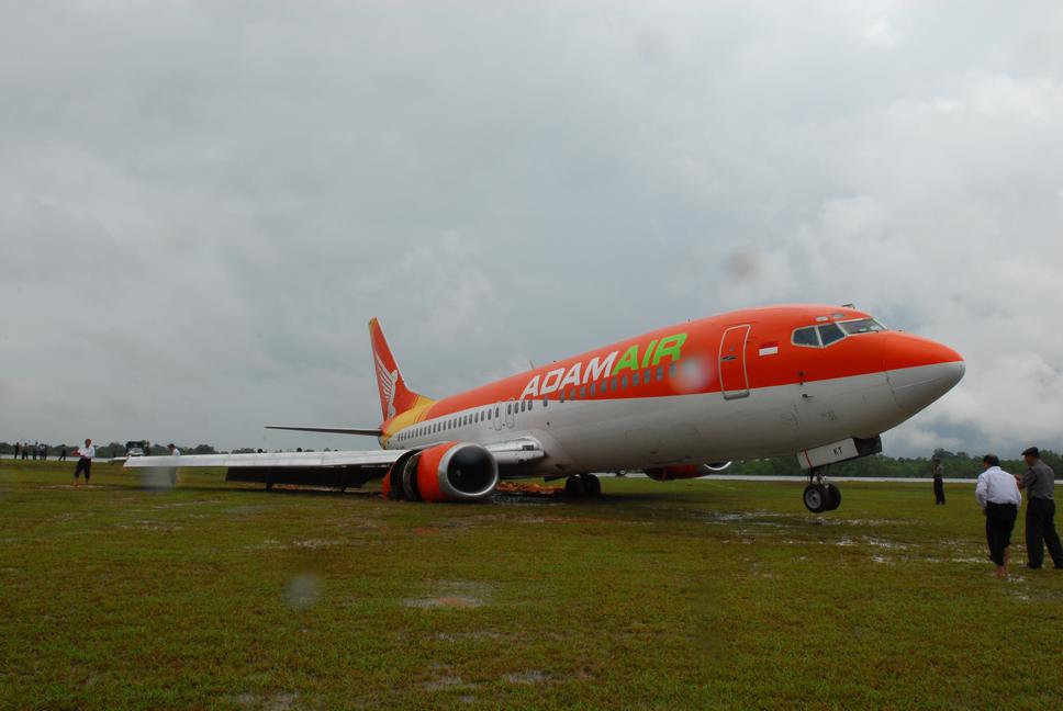 Adam Air 574 - PK-KKT