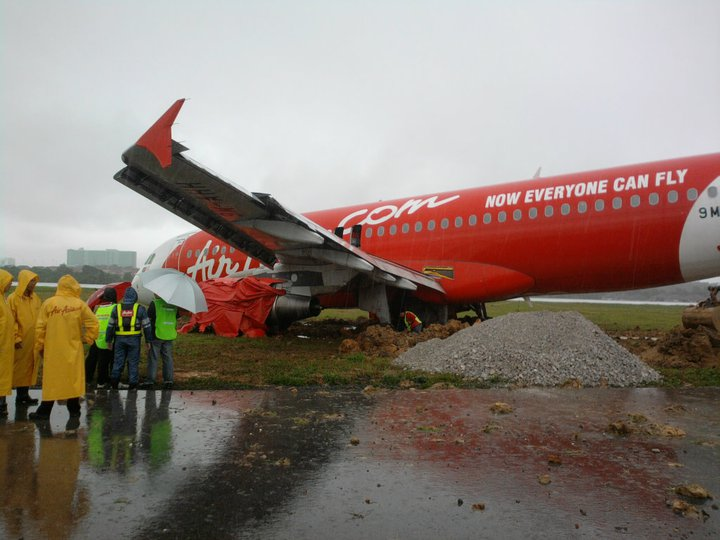 Air Asia - Sortie de Piste