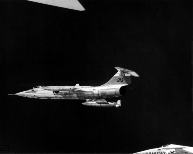 XB-70 formation