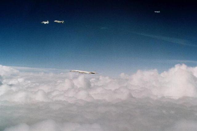 XB-70 sans gouverne de direction